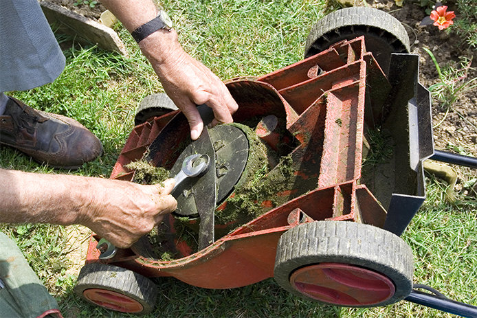 Replacing Mower Blade